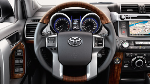toyota-land-cruiser-2015-interior-tme-016-a-full_tcm-3040-452799